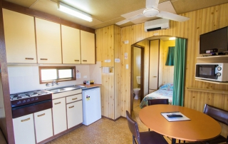 Ensuite Mini Cabins - Kitchen and Dining Area